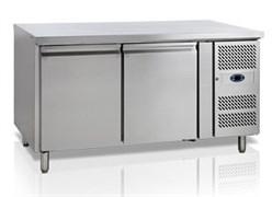 Стол с охлаждаемым шкафом TEFCOLD BK210 полки 400х600 мм