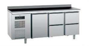Стол с охлаждаемым шкафом SAGI KUJB4A