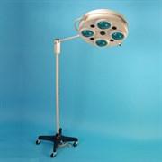 Напольный операционный светильник ALFA-734 и ИБП. 4-рефлекторный на колёсах (50000 Лк)  с ИБП, аварийное питание до 2 часов