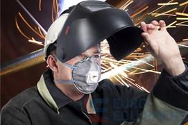 Полумаска фильтрующая 9922Р для защиты от дымов металлов, сварочных аэрозолей, пыли, озона, запахов органических паров