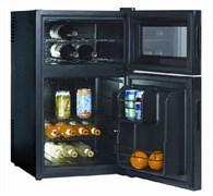 Холодильный шкаф для вина GASTRORAG BCWH-68 термоэлектрический (без компрессора), винная секция: 8-18оС, 2 полки, вместимость 8 бутылок 0,75 л; секция для напитков: 3-4оС, объем 44 л, 2 полки; цвет черный