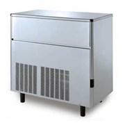 Льдогенератор кускового льда (пальчики) GEMLUX GM-IM220SDE AS воздушное охлаждение, производительность 215 кг/сутки (размеры пальчика 29х35х36 мм, вес 21 г), встроенный бункер для хранения льда вместимостью 68 кг, нерж.сталь