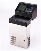 Погружной термостат GEMLUX GL-SV120 электронное управление с ЖК-дисплеем, регулировка температуры от 5 до 99оС с точностью до 0,1оС, таймер 0-99 ч, рециркуляционный насос 7,5 л/мин, для емкостей глубиной от 15 см, нерж.сталь