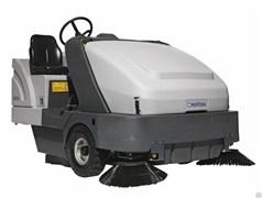 Подметальная машина с местом для оператора Nilfisk SR 1601 LPG